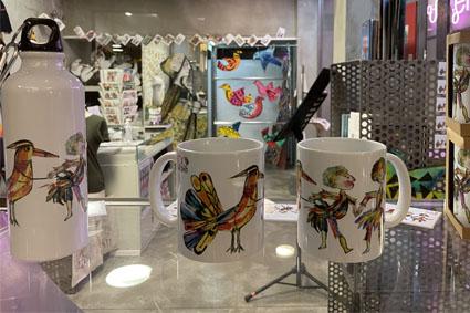 tazze e gadget con disegni di Luzzati