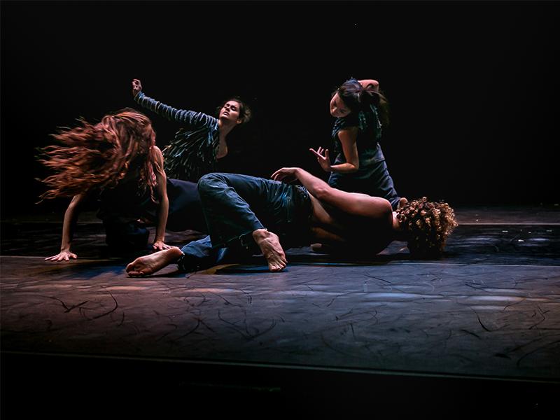 danzatori a terra