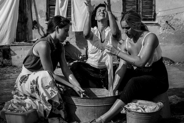 lavandaie, tinozze e acqua